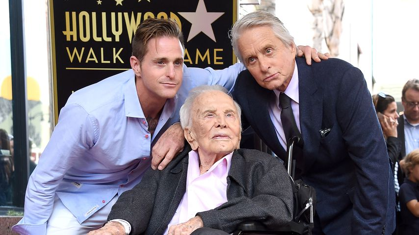 Cameron, Kirk und Michael Douglas in Hollywood, November 2018