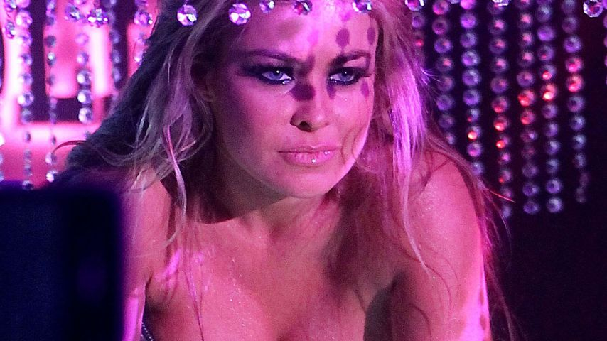 Hier strippt Carmen Electra in Las Vegas!