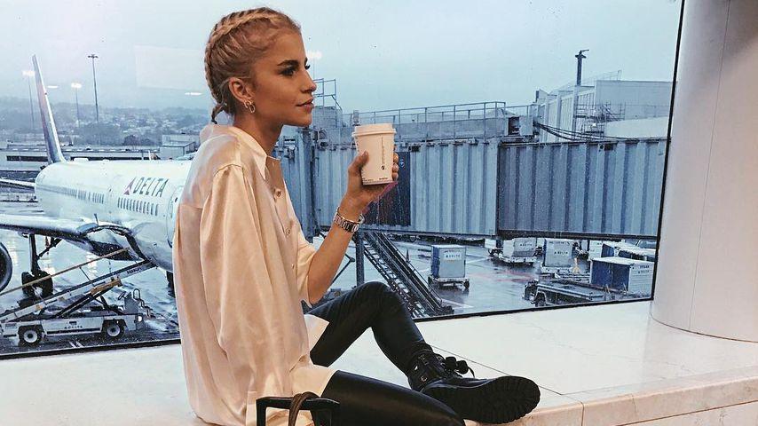 Caro Daur auf dem Weg zu einer Fashion Show