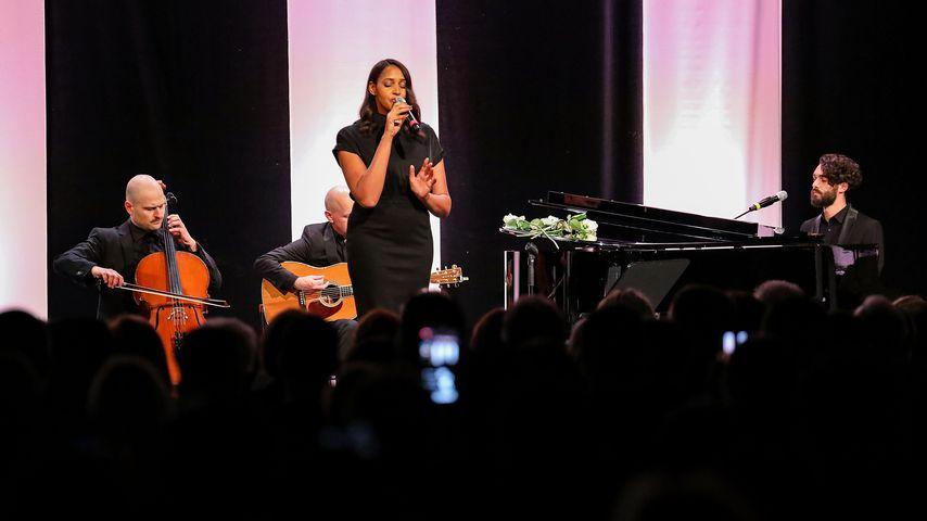 Cassandra Steen, Pop- und Soul-Sängerin