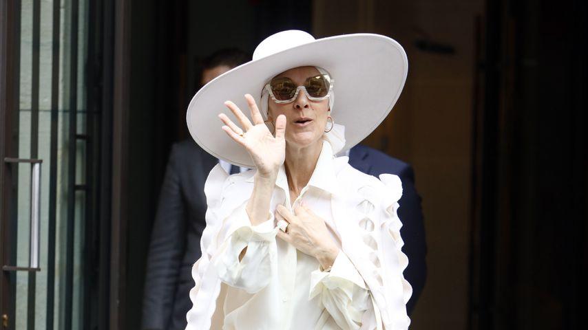 Als Geist in Paris: Erkennt ihr DIESE verhüllte Pop-Diva?