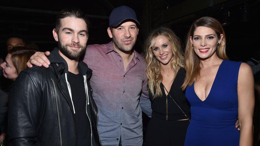 Chace Crawford, Tony Romo, Candice Crawford und Ashley Greene (v.l.n.r.) auf einer Party