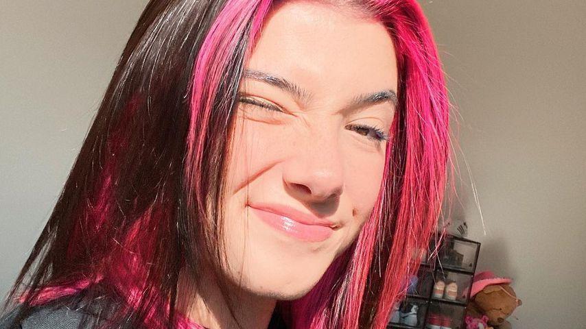 Wie Sophia Thomalla: TikTok-Charli hat pinkfarbenen Pony!