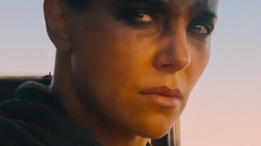 "Total crazy! Charlize Theron im ""Mad Max""-Trailer"
