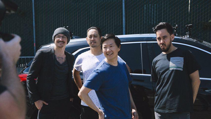 "Chester Bennington, Joe Hahn, Ken Jeong und Mike Shinoda beim Dreh für ""Carpool Karaoke"""