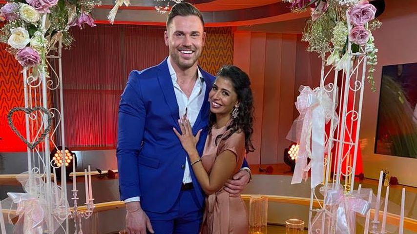 Total glücklich: So süß strahlt frisch verlobte Bachelor-Eva