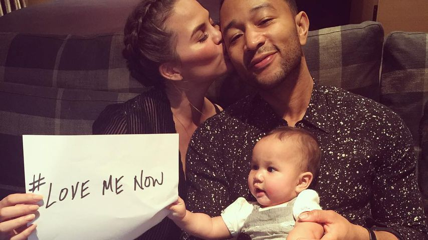 Chrissy Teigen, John Legend und Baby Luna als Familie