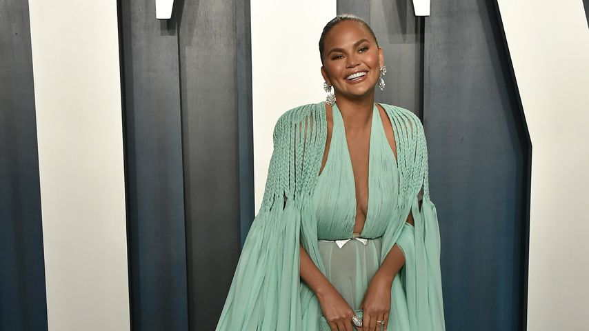 Chrissy Teigen bei der Vanity Fair Oscar Party 2020