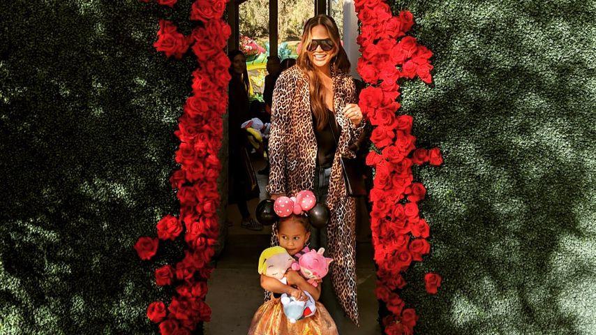 Chrissy Teigen mit Tochter Luna auf dem Geburtstag von Chicago West im Januar 2019