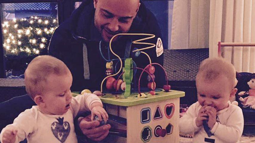 Christian Tews und seine Zwillingsmädchen Paulina und Marlena