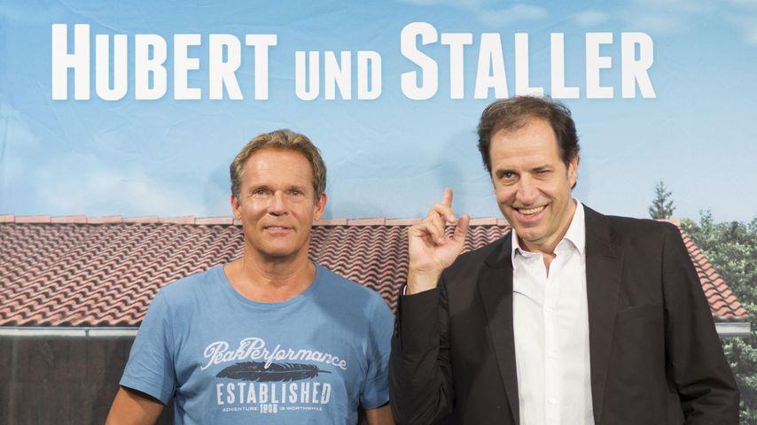 """Christian Tramitz und Helmfried von Lüttichau bei einem """"Hubert und Staller""""-Fototermin 2013"""