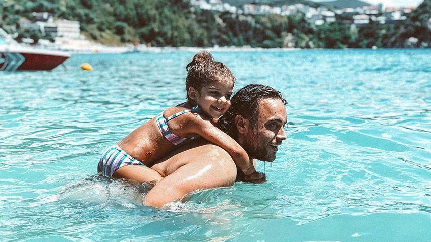 Christos Christodoulou mit der Tochter seiner Freundin Sandra