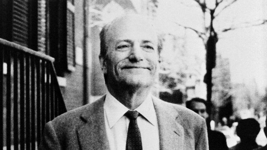 Claus von Bülow bei einer Pressekonferenz im April 1985