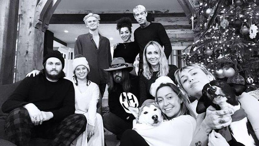 Cody Simpson und Miley Cyrus' Familie an Weihnachten 2019