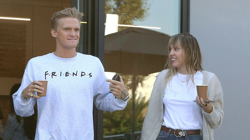 Voll entspannt: Miley Cyrus & Cody Simpson beim Kaffee-Date!