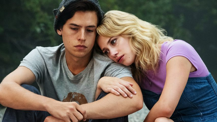 """Cole Sprouse und Lili Reinhart in der Netflix-Serie """"Riverdale"""""""