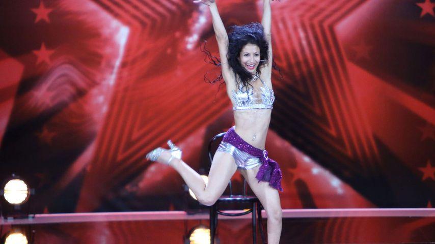 Das Supertalent: Burlesque-Tänzerin auf Ecstasy?