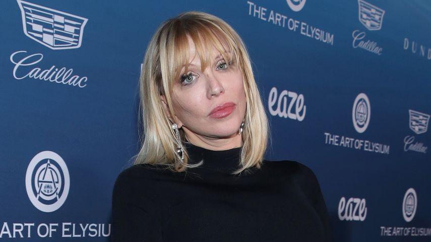 Courtney Love covert Britney-Song und bricht in Tränen aus