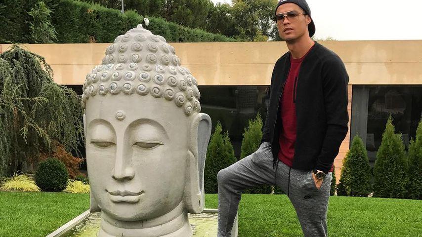 Foto-Fehltritt: Buddha-Anhänger sauer auf Cristiano Ronaldo!