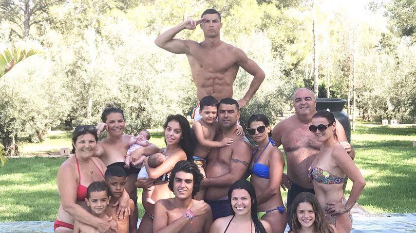 Cristiano Ronaldo mit seiner Familie, Juli 2017