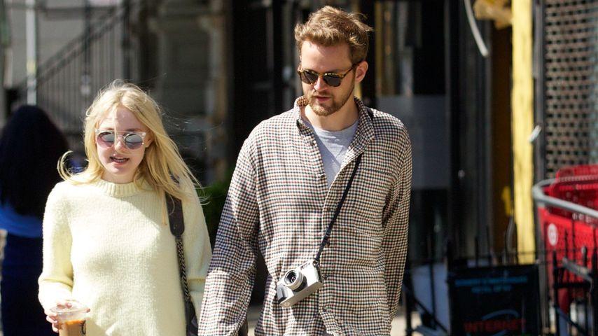 Hand in Hand: Dakota Fanning mit Boyfriend Jamie