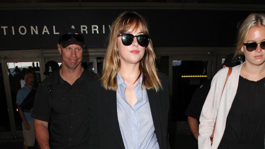 Mit Sonnenbrille gegen Jetlag! Dakota Johnson zurück in USA