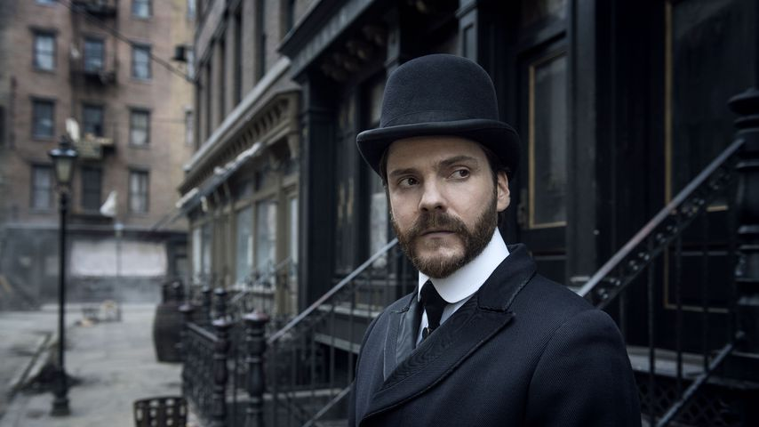 "Daniel Brühl in ""The Alienist – Die Einkreisung"""