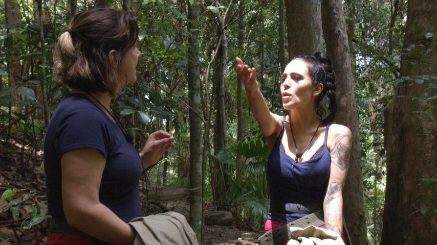 Daniela Büchner und Elena Miras nach ihrer Dschungelprüfung an Tag 7