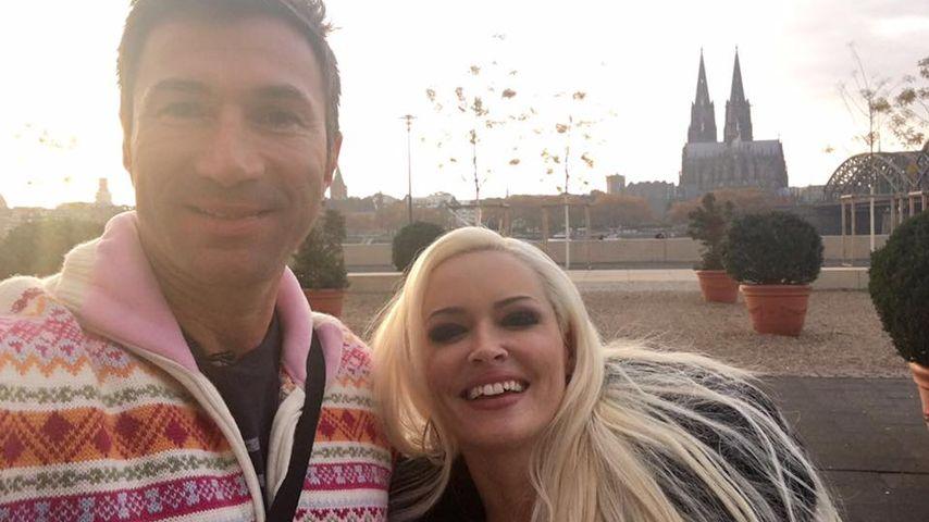 Daniela Katzenberger und Lucas Cordalis vor dem Kölner Dom