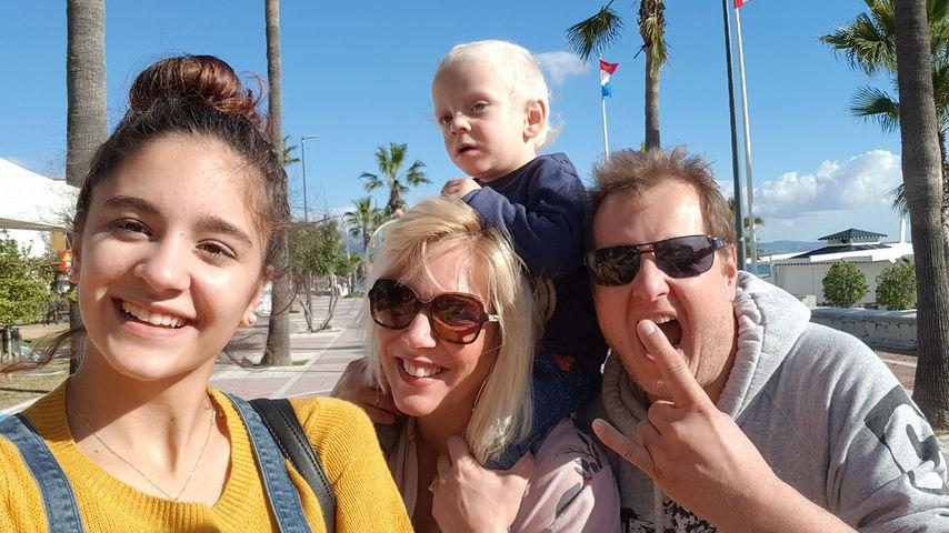 Daniela und Jens Büchner mit ihren Kindern