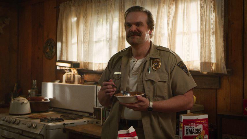 "David Harbour in ""Stranger Things"", Staffel drei"