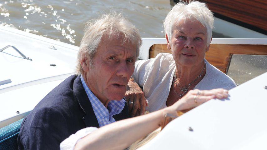 David Mills und Judi Dench bei ihrer Ankunft in Venedig
