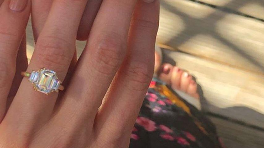 Debby Ryan und Josh Dun kurz nach ihrer Verlobung im Dezember 2018