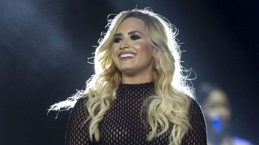 Mutiges Makeover: Demi Lovato präsentiert blonde Mähne