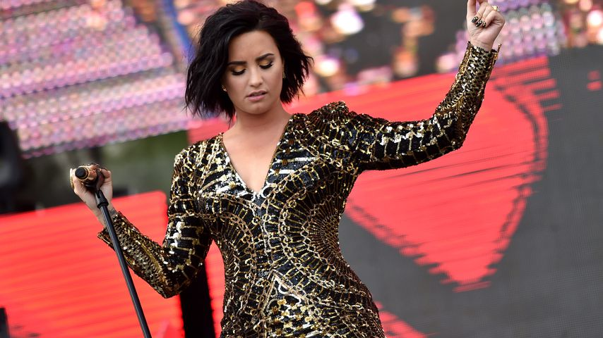 Demi Lovato bei einem Auftritt in Carson, Kalifornien im Jahr 2016