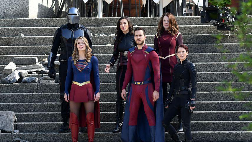 """Die """"Supergirl""""-Darsteller während des Drehs, 2018 in Kanada"""