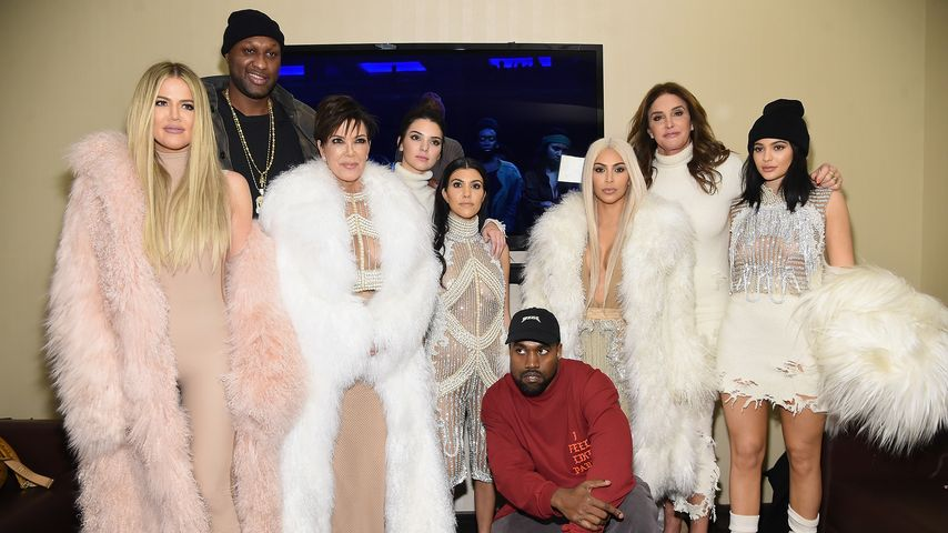 Trendsetter? Kylie Jenner photobombte Kim schon 2008!