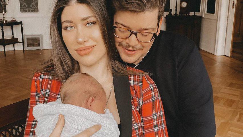 Diana June mit ihrem Sohn Adrian und Ehemann David