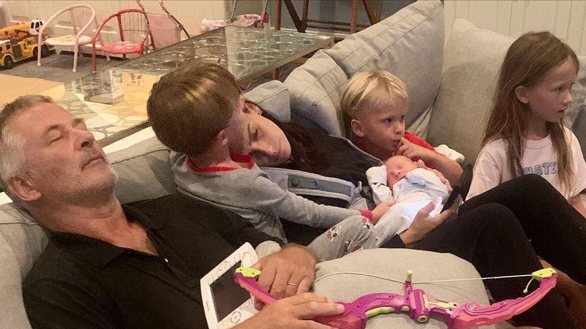 Alec und Hilaria Baldwin mit ihren fünf Kindern, 2020