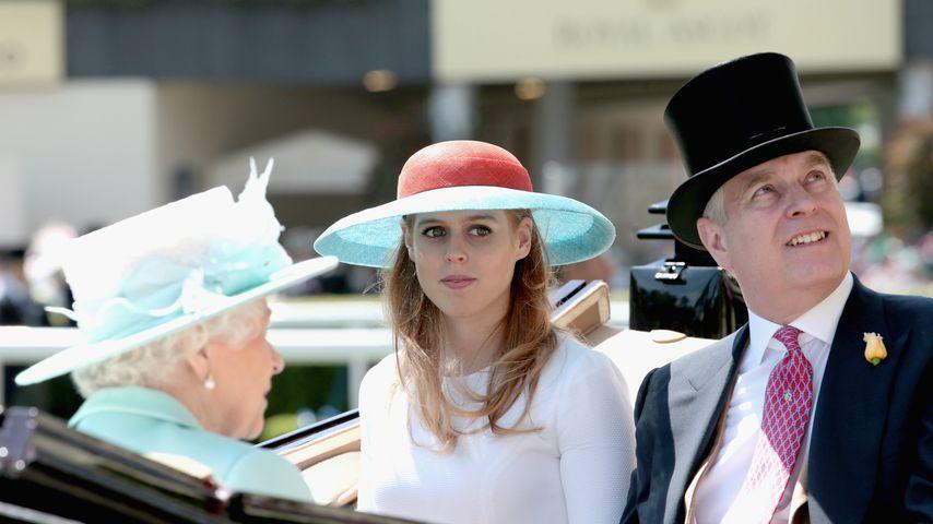 Queen Elizabeth II., Prinzessin Beatrice und Prinz Andrew, 2015