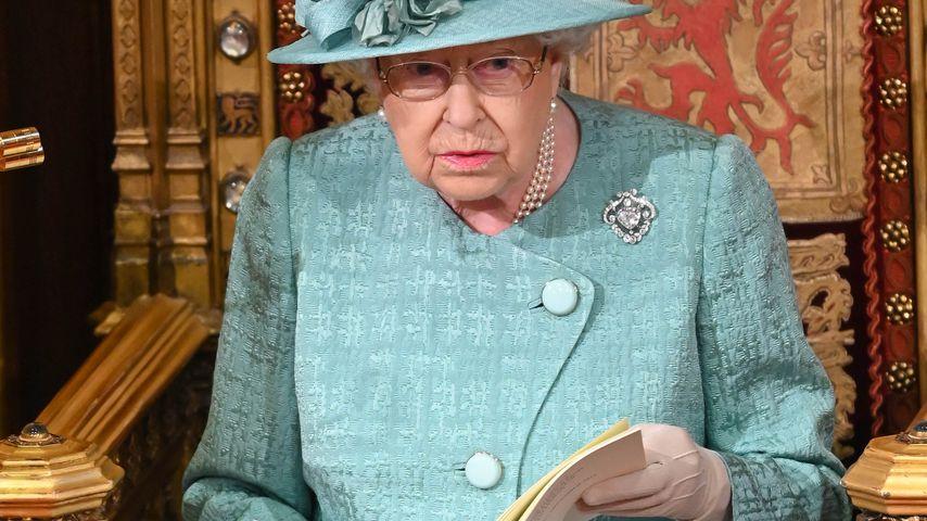 Ohne Meghan und Harry: Weihnachtsfoto der Queen spaltet Fans