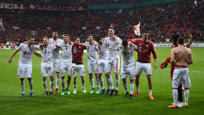Die Spieler des FC Bayern München nach dem Sieg im DFB-Pokal-Halbfinale