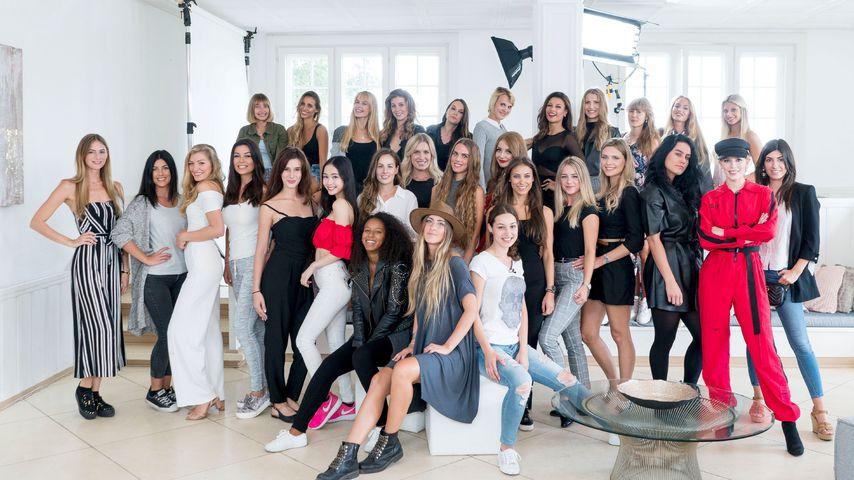 """Die Teilnehmerinnen von """"Sylvies Dessous Models"""""""