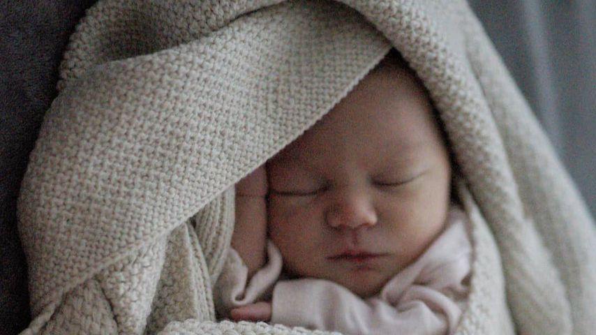 Die Tochter von Patrick Fabian und Freundin Lea im September 2019