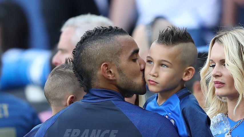 Dimitri Payet mit seinen Söhnen Noa und Milan nach einem Spiel