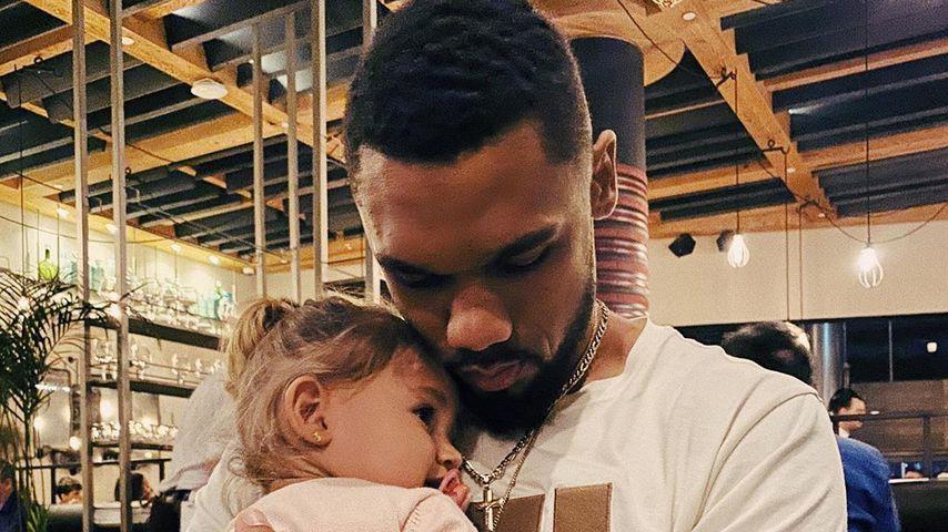Dominic Harrison mit seiner Tochter Mia Rose