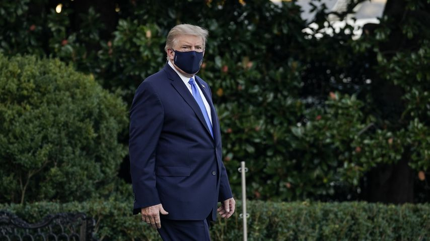 Corona-Maßnahme: Donald Trump wird im Krankenhaus behandelt