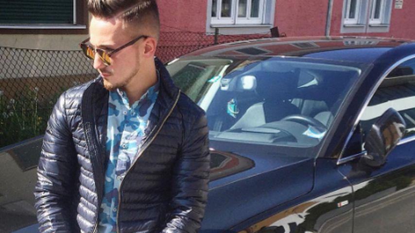 Donis Avdijaj mit seinem Auto
