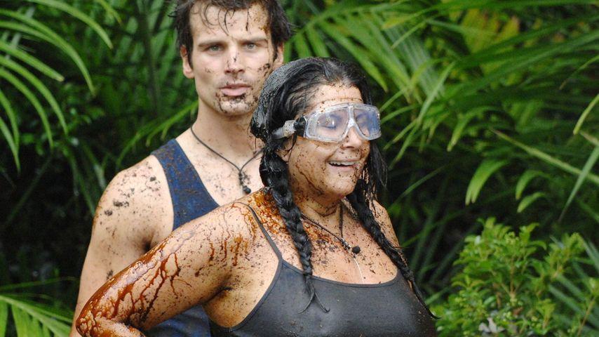 Iris verletzt sich ohne BH bei Dschungelprüfung!
