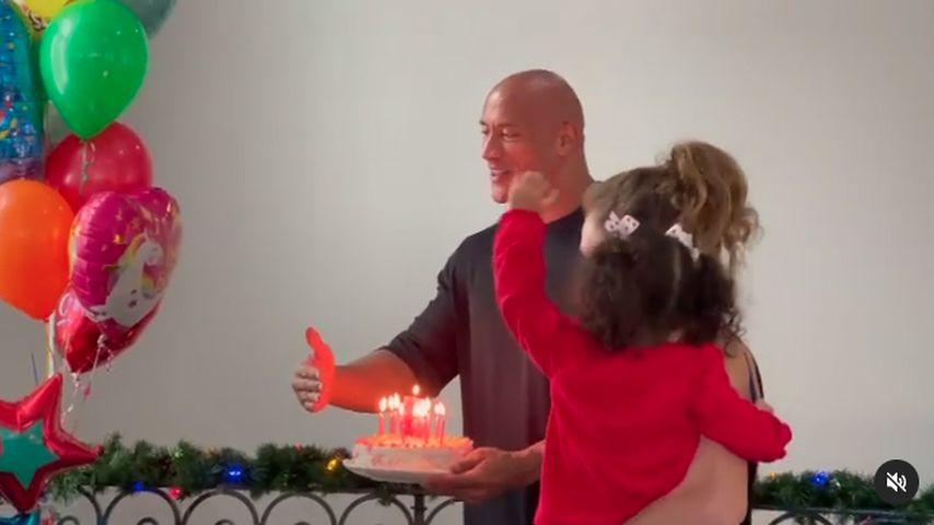 """Dwayne """"The Rock"""" Johnson am Geburtstag seiner Tochter Jasmine"""
